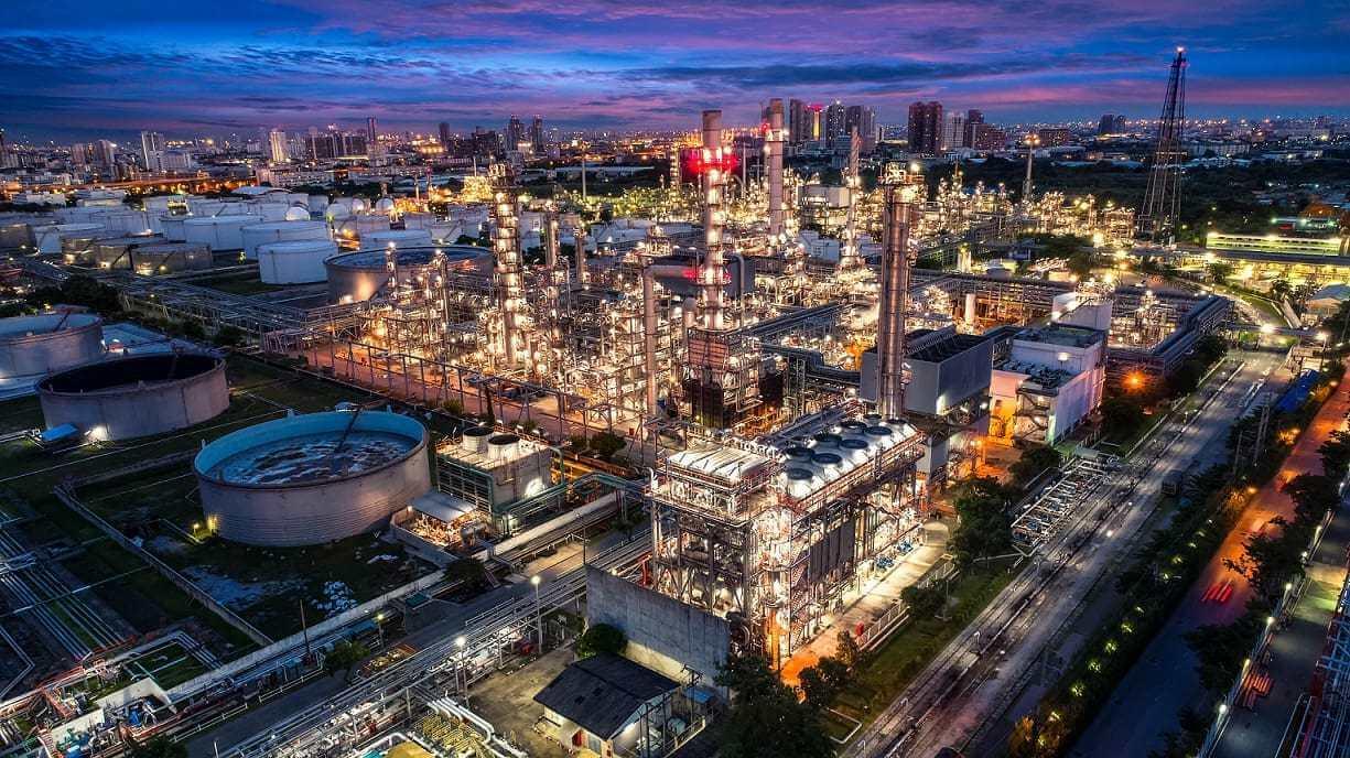 Iraq and Italy's ENI to Build Oil Refinery Near Zubair Field
